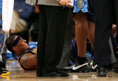Carmelo Anthony Sprains Ankle